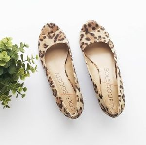 Sole Society Laurie wedges 7 leopard print peep